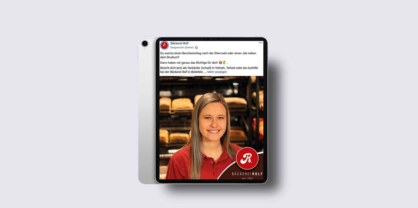iPad Pro Mockup mit Facebook-Werbeanzeige der Bäckerei Rolf für die Personalsuche